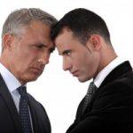 Was tun, wenn sich zwei Mitarbeiter streiten?