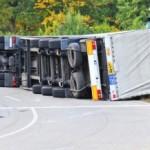 B33 nach Lkw-Unfall gesperrt